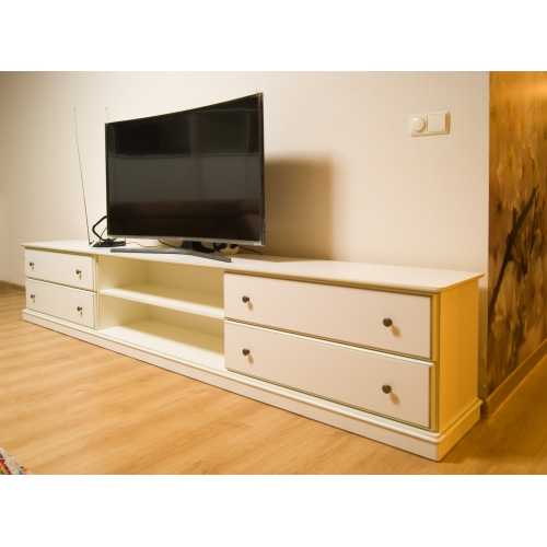 TV chest with dravers MORNING