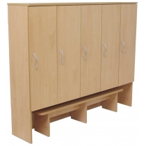 Cupboard for cloakroom with a pulling out bench