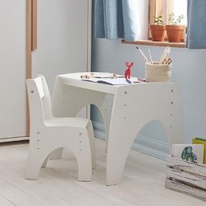 Kėdutės ir staliukai